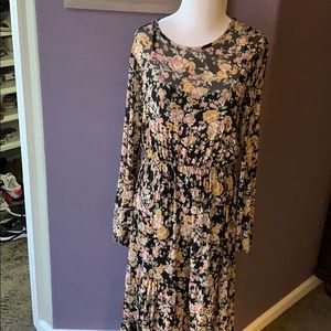 New wild fable floral maxi dress M
